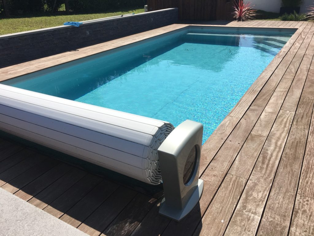 Picture of: Depannage Reparation Volet Roulant Piscine Gironde Aquanov